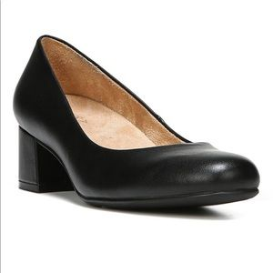 Donelle Naturalizer Pumps